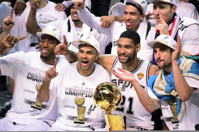 Les San Antonio Spurs après leur victoire en NBA, le 15 juin.