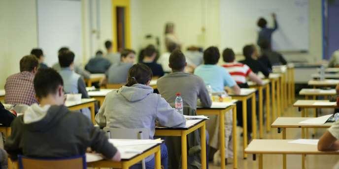Lundi 16 juin : début de l'épreuve de philosophie au lycée Livet de Nantes.