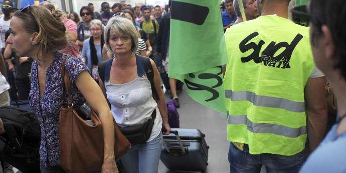 Grève SNCF à la gare Saint-Charles de Marseille, le 13 juin.