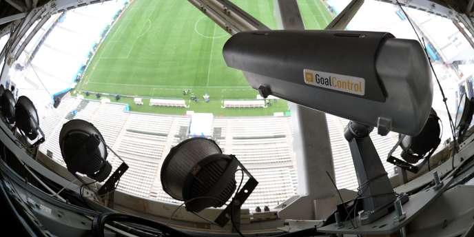 Une caméra utilisée pour la technologie Goal Control au Mondial 2014.