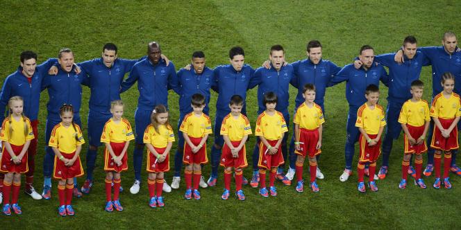 L'équipe de France, ici pendant les hymnes, le 15 juin à Donetsk lors de l'Euro 2012, contre l'Ukraine.