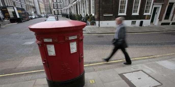 La filiale britannique de La Poste va distribuer des colis le dimanche.