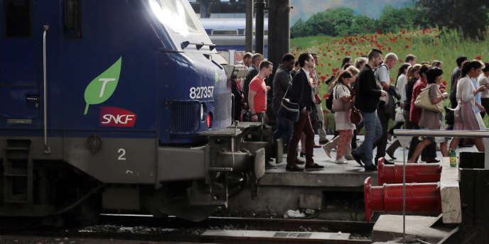 « Galère des usagers », syndicats, négociations… Depuis quelques jours, la France renoue avec les figures classiques de la grève des transports.