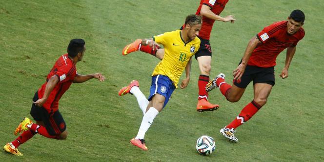 Auteur d'un doublé  lors du succès inaugural contre la Croatie, le Brésilien Neymar est cette fois-ci resté muet contre le Mexique, mardi 17 juin, à Fortaleza.