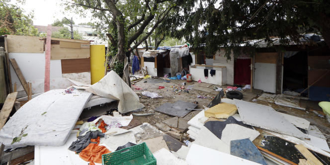 Dans un camp de Roms à Pierrefitte-sur-Seine, le 17 juin.