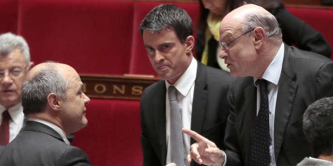 Bruno Le Roux, Manuel Valls et Jean-Marie Le Guen, à l'Assemblée nationale le 16 avril.