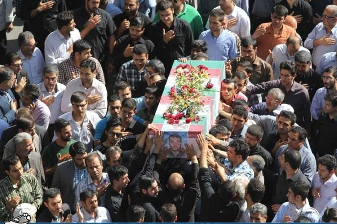Funérailles du capitaine Alireza Mochadjari, le 15 juin à Téhéran.