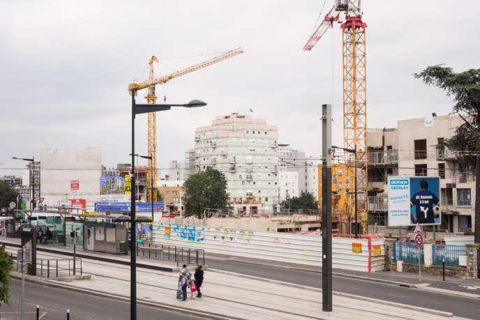 Quartiers des Poètes à Pierrefitte, trois jours après le lynchage d'un adolescent rom, en juin.