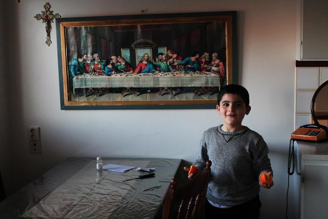 La nourriture est moins épicée qu'en Syrie, mais comme beaucoup de Suédois, la famille Asmar ne mange pas de viande.