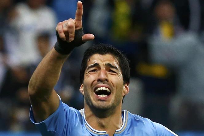 Luis Suarez libère l'Uruguay en inscrivant le deuxième but de la victoire contre l'Angleterre, le 29 juin à Sao Paulo.