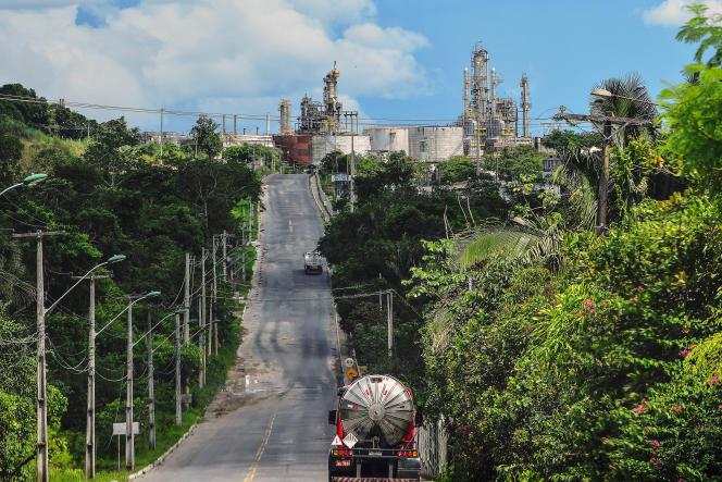 Raffinerie de la compagnie nationale Petrobras, dans la zone industrielle de Manaus.