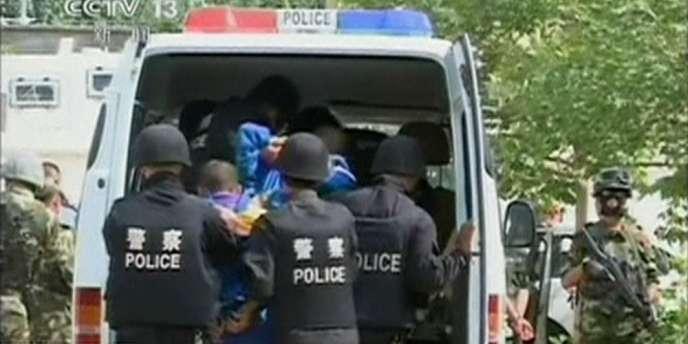 Lundi20octobre, l'agence de presse Chine nouvelle avait annoncé l'exécution de treize personnes condamnées pour «terrorisme et autres actes de violence» dans le Xinjiang.
