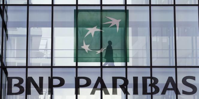 Selon le « Wall Street Journal », la banque française, poursuivie aux Etats-Unis pour avoir contourné des embargos américains sur certains pays, aurait accepté un accord de 8 à 9 milliards de dollars.