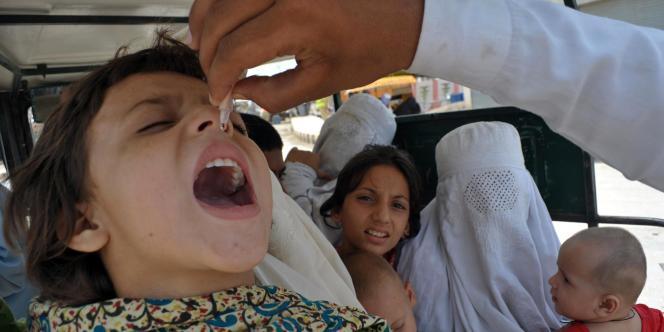 Vaccinations de la polio le 26 juin à Bannu, au Pakistan.