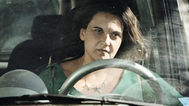La réalisatrice Emma Dante joue dans son propre film,