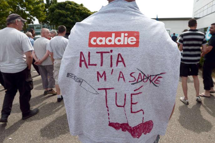Manifestation de salariés de la société Caddie à Strasbourg, le 23 juin.
