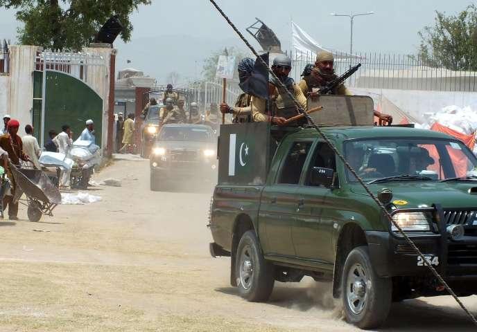 Des troupes pakistanaises dans le Nord-Waziristan, le 29 juin 2014.