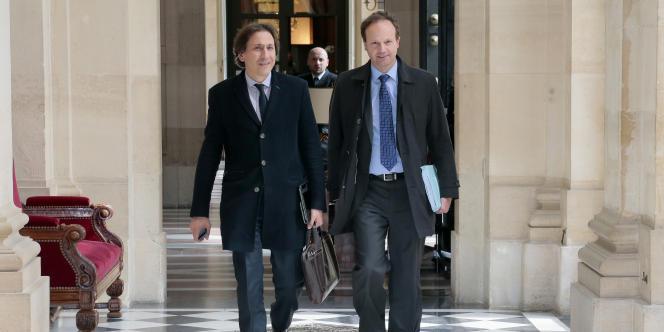 Les socialistes Jérôme Guedj (président du conseil général de l'Essonne) et Jean-Marc Germain (député des Hauts-de-Seine) à l'Assemblée, le 29 avril.