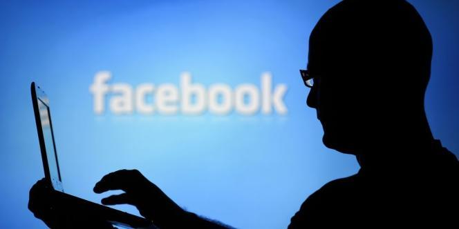 Sans le savoir, près de 700 000 utilisateurs anglophones du réseau social ont vu leur fil d'actualité modifié pour voir si les émotions exprimées par leurs contacts influençaient leur humeur.