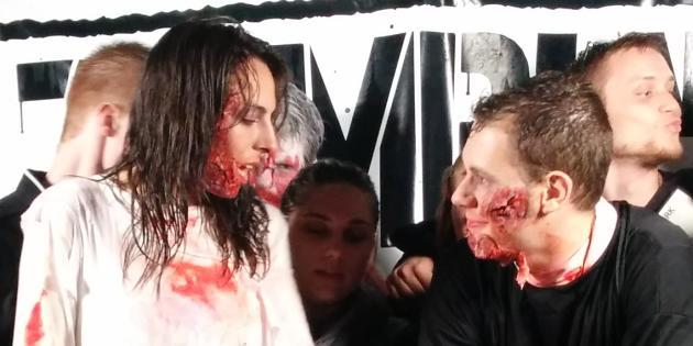 Thomas et Aude, infirmière zombie et prêtre zombie d'un soir.
