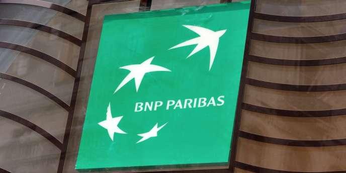 La banque, qui a exprimé ses « regrets » pour les « erreurs passées », a accepté de plaider coupable pour des pratiques violant l'embargo américain sur certains pays.