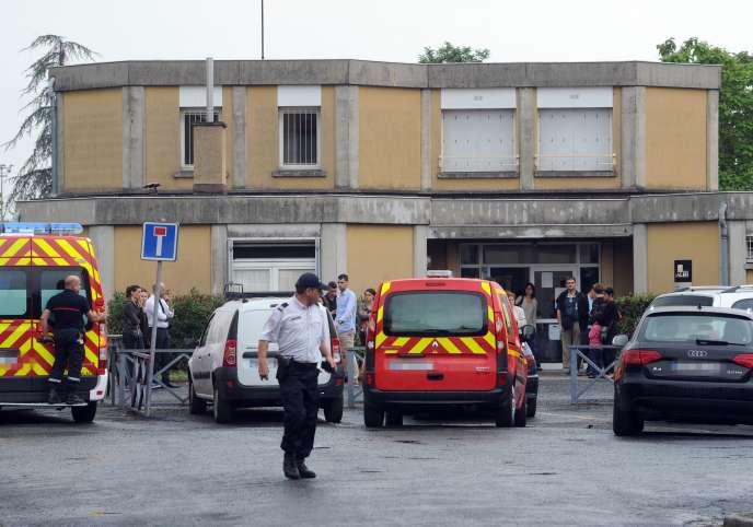 Une mère d'élève qui «semblait atteinte de troubles psychologiques» a poignardé une institutrice de l'école Edouard-Herriot à Albi.