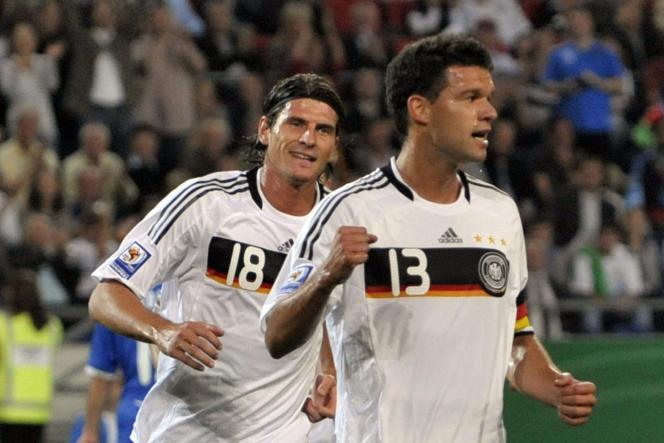 Michael Ballack, 9 septembre 2009 face à l'Azerbaïdjan, fut l'un des joueurs nés en ex-Allemagne de l'Est de la Mannschaft.