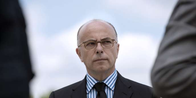 Le ministre de l'intérieur, Bernard Cazeneuve, le 25 juin à Satory.