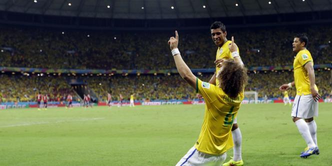 David Luiz a inscrit le deuxième but brésilien face à la Colombie, le 4 juillet.