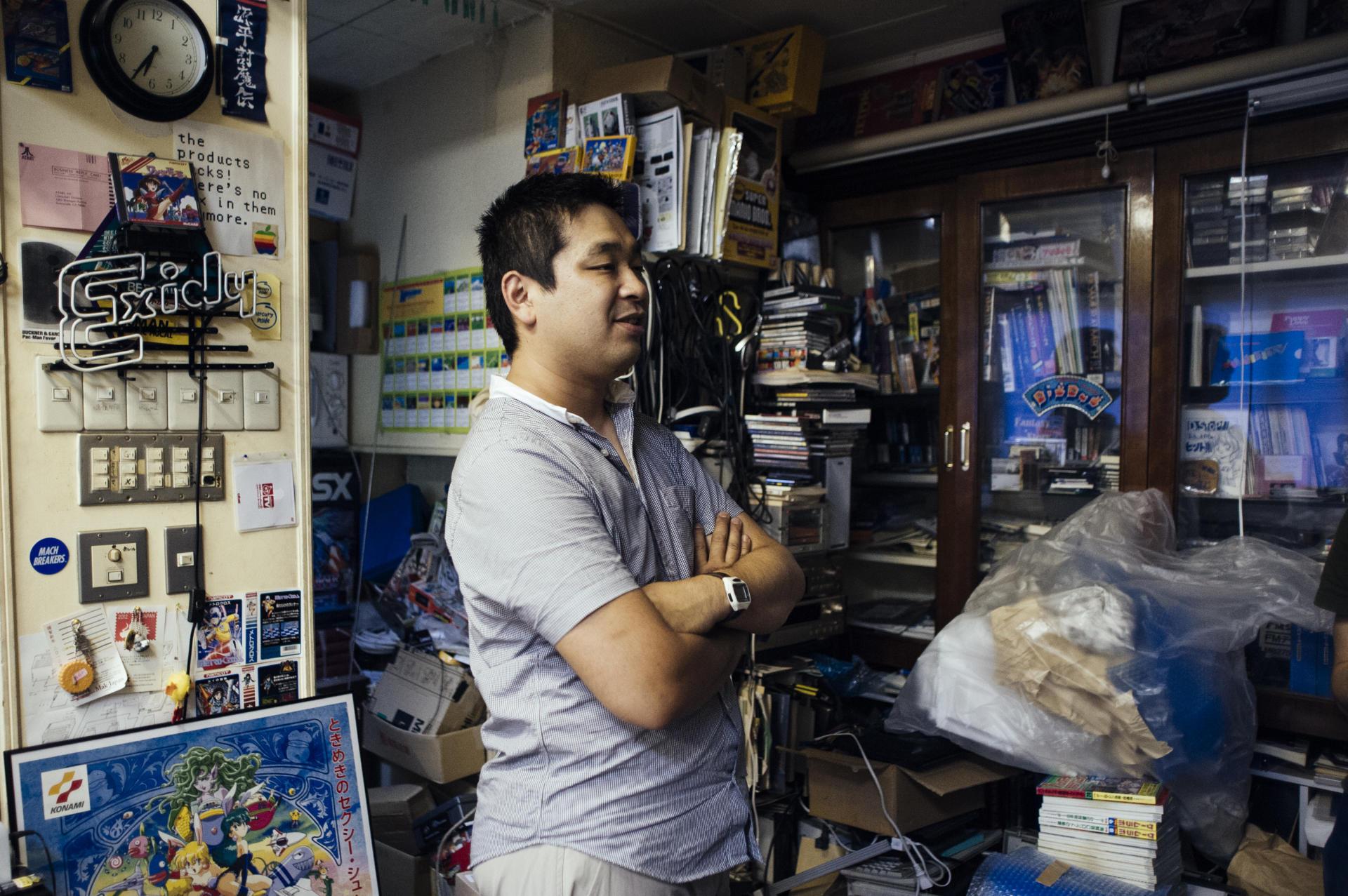 Kobahyashi Masakuni, membre du bureau de l'association a crée une entreprise de revente d'occasion lui permettant de mettre la main sur des pièces manquantes.