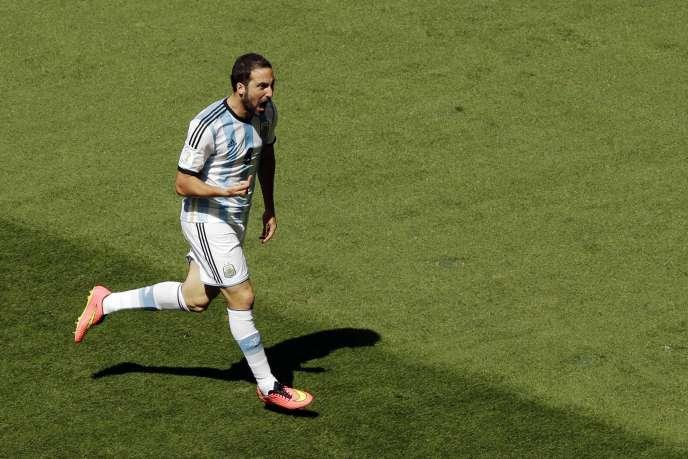 Gonzalo Higuain après son but en quart de finale contre la Belgique, à Brasilia, le 5 juillet.