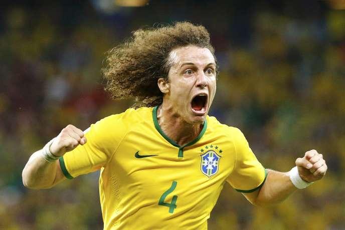 Le Brésilien David Luiz a quitté Chelsea pour le PSG en 2014.