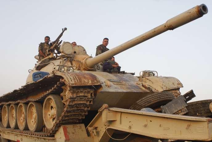 Des soldats kurdes lors d'un déploiement à Jalawla.