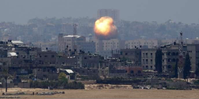 Explosion dans la bande de Gaza, mercredi 9 juillet.