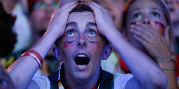 Supporteurs et médias allemands peinaient à trouver les mots, mardi soir, pour décrire la large victoire de la «Mannschaft» contre le Brésil (7-1) en demi-finale de la Coupe du monde.