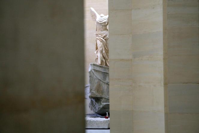 La Victoire de Samothrace au Louvre le 8 juillet.