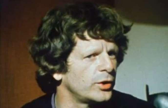 Le Dr Jean Carpentier en mai 1976 dans une émission de FR3, capture d'écran