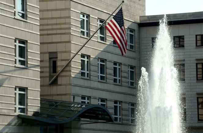 L'expulsion annoncée du chef de la CIA à Berlin occupe la « une » des principaux quotidiens du pays.