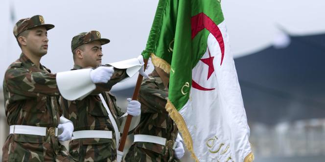 Des militaires algériens à la répétition du défilé du 14-Juillet, à Paris, le 12 juillet.