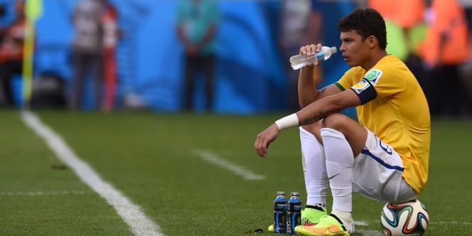 Thiago Silva durant les tirs au but contre le Chili.