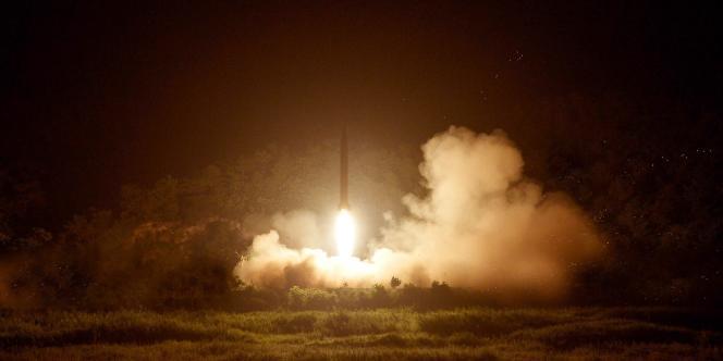 Photo non datée d'un tir de missile de la Corée du Nord, diffusée par Pyongyang le 10 juillet.