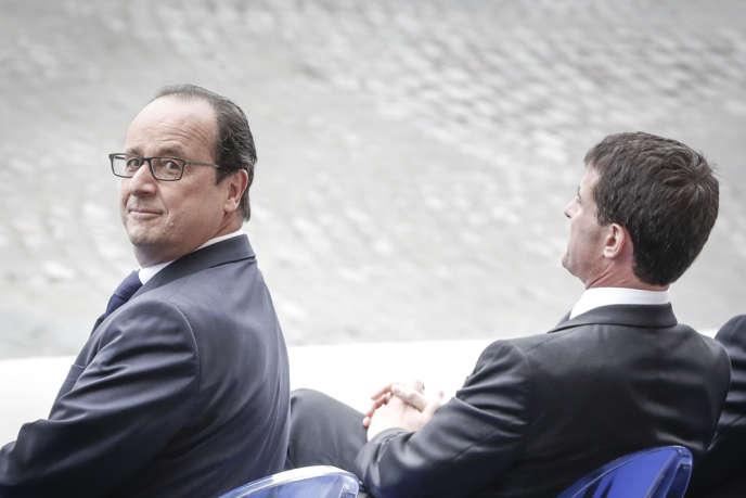 François Hollande, au défilé militaire, sur les Champs-Élysées, à Paris, le 14 juillet.