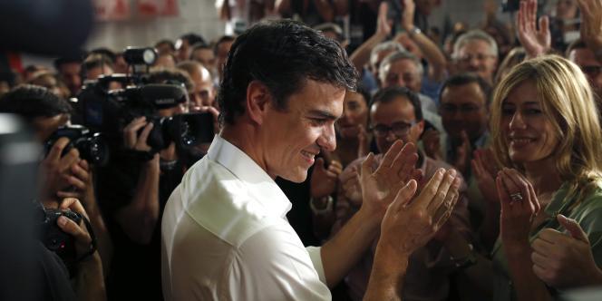 Pedro Sanchez, nouveau secrétaire général du Parti socialiste ouvrier espagnol (PSOE), après son élection, à Madrid, le 13 juillet.