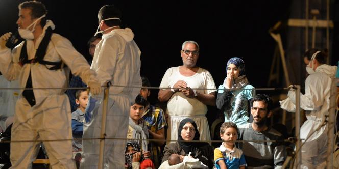 Des migrants secourus en Italie le 13 mai 2014.