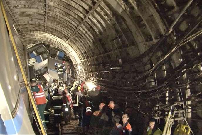 Au moins vingt personnes ont été tuées et plus de 160 blessées dans l'accident, un des pires dans les transports de la capitale russe.