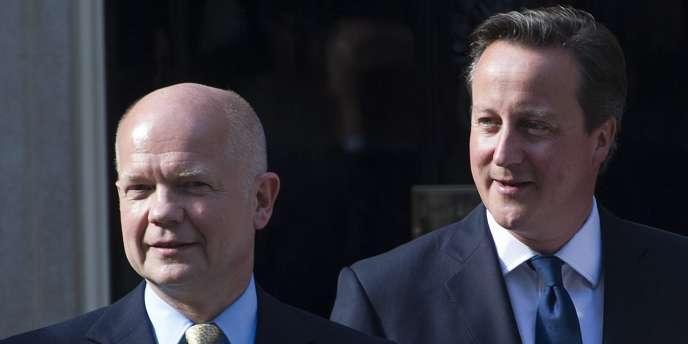 William Hague (à gauche) ne sera plus ministre des affaires étrangères.