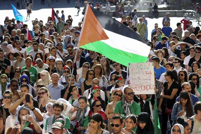 Les organisateurs du rassemblement ont dénoncé la « passivité coupable » du gouvernement alors que se poursuivent les bombardement de Gaza.