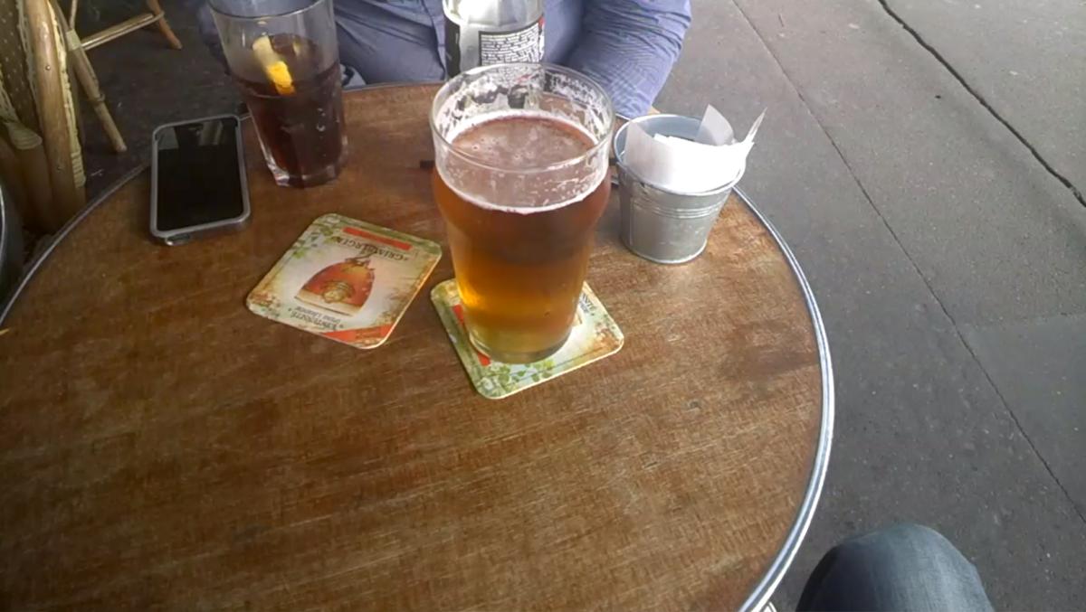 Pour commander cette bière, j'ai dû ôter mes lunettes.