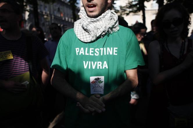 A Paris, dans un rassemblement en soutien à Gaza, le 16 juillet.