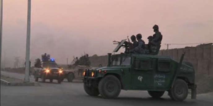 Les forces de sécurité afghanes à l'aéroport de Kaboul, le 17 juillet.